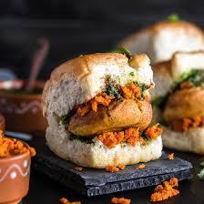 Vada Pav - Maharashtrian Dishes